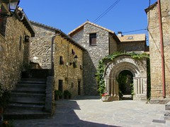 Fiscal (Patataasada) Tags: espaa stone spain huesca village pueblo arco sobrarbe pirineo piedra romnico aragn pirineoaragons discal