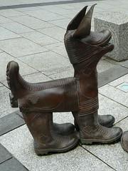 Tinner's Hound, Redruth (Richard and Gill) Tags: sculpture dog bronze cornwall boots wellingtonboots wellies cornish redruth kernow forestreet davidkemp tinnershounds