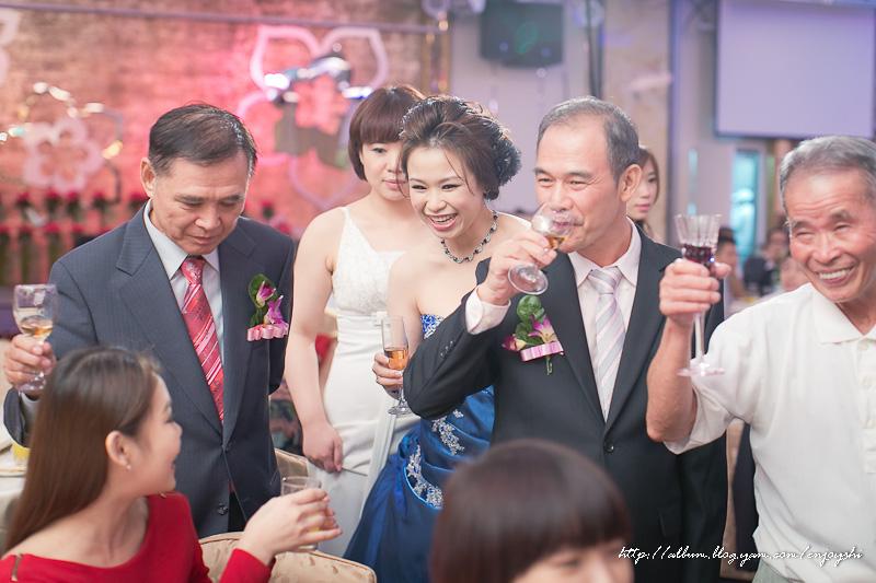炳霖 依萍 結婚-0219.jpg