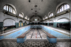 Try a Header (Fine Art Foto) Tags: swimming pool schwimmbad badeanstalt bad verdunstung evaporation urbex urbanexploration urbandecay urban lostplace lostplaces abandoned aufgegeben forgotten oblivion