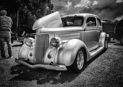 silverford mono (John C Burzynski) Tags: cars newburg wisconsin ford monochrome