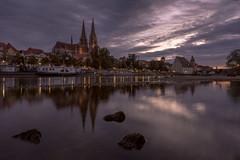 Niedrigwasser (Tobi Becq) Tags: regensburg ratisbon donau danube weitwinkel reflection reflexion stpeter