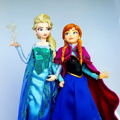 Do the magic! (ozthegreatandpowerful) Tags: medicom real action heroes rah elsa anna frozen doll dolls figure snow queen nordic gear winter
