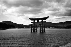 Clouds above Itsukushima Torii (PMA audio) Tags: torii itsukushima miyajima