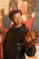 (B Plessi) Tags: tolentino macerata marche italia basilica san nicola statua val di chienti