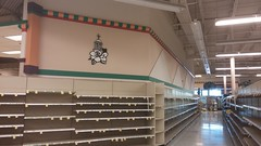 Last look down aisle one (Retail Retell) Tags: kroger grocery store hernando ms retail desoto county millennium dcor 475 marketplace v478 construction expansion project closure fixture sale emptiness memorabilia