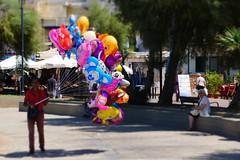 people - ballons advertising (Klaatu66) Tags: sicilia colori sferracavallo tamron lumix panasonic gx7