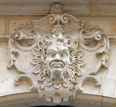 Mascaron with pointed ears (Monceau) Tags: mascaron pointed ears eyes cartouche