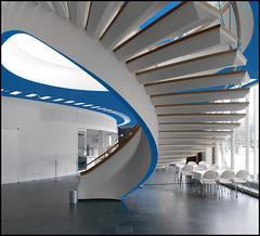 Hermann Henselmann @ Kongresshalle Mitte [1962-1964] (d.teil) Tags: blue white berlin germany spiral stair east treppe step staircase round ddr rund mitte hermann detial kongresshalle henselmann 19621964 dteil