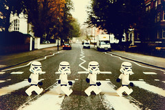 Abbey Road 280/366 ([inFocus]) Tags: canon daylight starwars crossing lego album year stormtroopers creative naturallight 7d stormtrooper albumcover beatles abbeyroad 365 tabletop zebracrossing 2012 366 24105mm project366