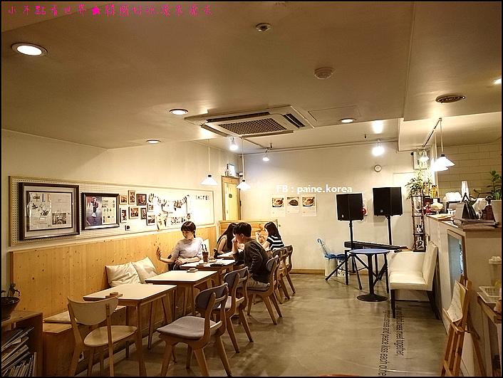 弘大 下面咖啡 提拉米蘇 (7).JPG