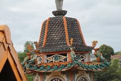Stupa vert et orange (So_P) Tags: bouddhisme pagode stupa svres tinh tam