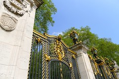 Royal Parks and Palaces with Emma Matthews (12 May 2016) (Context Travel) Tags: london england canadagate gate gilded buckinghampalace royal royalty parks palaces explore deeptravel iconic travel historic architecture building outdoor