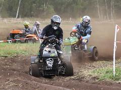 IMG_9276 (Wallus2010) Tags: rasenmherrennen2015 grosmoor motorsport rennen hbschemdchen boxenluder eos500d tamron18200vc lawnmowerracing lawnmower racing germany moorbockcross 2016 moorbockrennen