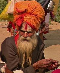 INDIEN,india, Allahabad - sangam, Sadhu, holy man, 14360/7231 (roba66) Tags: indienallahabadsangam sadhou saddhu man oldman holy man indianlife indianscene indiansequence allahabad uttar pradesh ganges yamuna knig der pilgersttten sangam triveni sangam pilgerstadt pilger hindi hindui menschen people indianlife history brauchtum indien indiennord asien asia india inde northernindia urlaub reisen travel explore voyages visit tourism roba66 sadhu