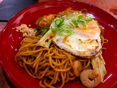 Yakisoba with shrimp from Kuromon Market (Rachel Toh) Tags: food noodle egg japanesefood