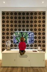 IndigoZest showroom (Lars Plougmann) Tags: homeautomation tv girl design showroom