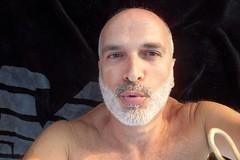 meraviglia (Luigi Barone '52) Tags: man roma marina book mare photographer uomo sole ritratto autoscatto abruzzo 1952 sabbia onda scogliera marea vasto luigibarone