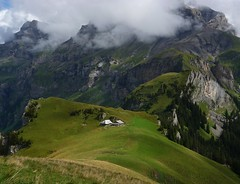 berner oberland (samulder) Tags: panorama mountain alps suisse meadow panoramic ridge chalet alpen berner switserland swissalps oberland zwitserland schweiss alpenweide berghut abendberg hooggebergte bergkam
