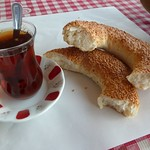 "This is simit <a style=""margin-left:10px; font-size:0.8em;"" href=""http://www.flickr.com/photos/59134591@N00/7934922336/"" target=""_blank"">@flickr</a>"