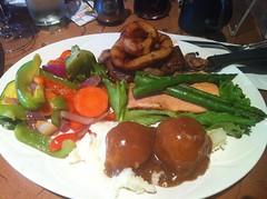 Oakwood Cafe: Steak & Salmon