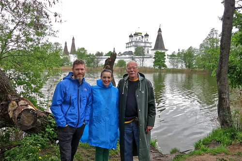 IMG_6767 Jonah, Hannah, and Carl, with the Joseph-Volokolamsk Monastery (Иосифо-Волоколамском Монастыре) in the Background