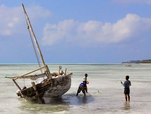 ocean beach boys toy boat wooden sailing play indian zanzibar