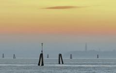 graduale sfocatura (invitojazz) Tags: venice sunset mist nikon tramonto lagoon laguna venezia foschia d90 invitojazz vitopaladini