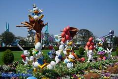 Disney's Easter 2016 (Disneyland Dream World) Tags: tokyo disneyland disneys easter 2016 donald daisy riri fifi loulou garden