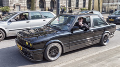 BMW 316i (R. Engelsman) Tags: 316i bmw auto car vehicle automotive oldtimer classiccar klassieker sedan wheels rims rotterdam rotjeknor roffa 010 nederland netherlands holland street outdoor milieuzone protest 1990 coolsingel