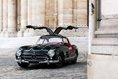 [SHOOTING] Mercedes-Benz 300SL Gullwing. (Nino - www.thelittlespotters.fr) Tags: mercedesbenz mercedes benz 300sl gullwing 300 sl france paris institutdefrance black red luxury vintage car fast summer