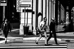Milano fashion line (Morag.) Tags: fashion candid milan milano italy italie italia europe street bw blackandwhite mono monochrome streetlife nikon d3300 nikkor noiretblanc peoplewatching people lines fun road