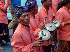 (cecelysterlingmaisel) Tags: streetphotography people explore travel culture music dance ubud bali celebration hindu religious ceremony
