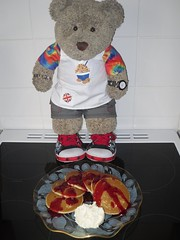 #GBBO week 4: Oh heck! I misheard AGAIN! (pefkosmad) Tags: tedricstudmuffin teddy ted bear cute cuddly stuffed soft toy gbbo greatbritishbakeoff baking bakery cooking cookery crepes pancakes pancake scotchpancakes raspberry sauce whippe cream competition batter bbc telly television chanceglassplate calyptopattern