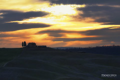 Dawn in Val D'Orcia (Agrippino Salerno) Tags: valdorcia italy tuscany dawn countryside sky colors clouds sunrise hills green farmhouse cypress trees travel agrippinosalerno canon manfrotto