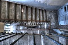 Thrapie anti vertige (urban requiem) Tags: escalier stairs treppe staircase perspective urbex urban exploration abandonn abandoned verlaten verlassen lost old decay derelict hdr 600d 816 sigma france hotel hercule hotelhercule
