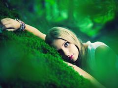 dreamy forest. (stefanheider) Tags: wood pink green girl forest canon photography 50mm eyes dof bokeh sleep 14 dream babe grn schlafen wald mdchen schatz trumen stefanheider