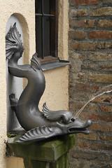 09054050 (BS-Foto) Tags: sculpture brunnen samsung skulptur tor augsburg rotes nx brunnenfigur nx200 rotestor samsungnx200 nx1855mm bsfoto
