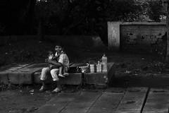 Street life #1 (The Crane Dance) Tags: blackandwhite india kids children bambini poor streetlife baroda biancoenero bimbi vadodara poveri nikond3100