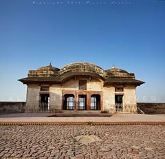 Seh Dara - Jahangir's Quadrangle (z) Tags: city pakistan architecture hall fort muslim pavilion za quadrangle lahore oldcity walled lahorefort mughal jahangirs  bangala vertorama widescape  variosonnartdt35451680