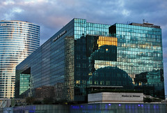 La Dfense (Klara Thomas) Tags: sunset architecture buildings zonsondergang architectuur ladfense gebouwen klaracolor