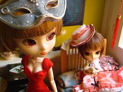 KURO V 5 El fin de año de Shinobu (Lunalila1) Tags: movie outfit doll track dress barbie dal phoebe wig pullip ho rowan kuro stela shinobu stica