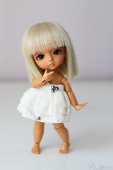 Keara  (. Paillette .) Tags: white glass yellow canon 50mm for eyes doll skin tan blond wig pirate lea bjd welcome bienvenue blanc abjd poupe keara lati latiyellow formydoll leapirate