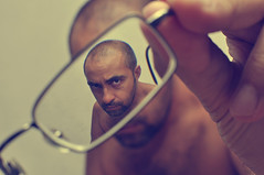 Autorretrato. Ah tamos. (Miguel ngel 13) Tags: selfportrait look ego persona glasses see mine retrato yo io mirar gafas autorretrato mirada humano hombre avils ver ime composicin artesyoficios
