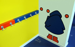 miffy museum - Utrecht - nijntje museum (juliensart) Tags: juliensart utrecht fujifilm x100s graphic design dick bruna copyright mercis bv mercisbv holland nederland netherlands kleur color nijntje miffy kapstok garderobe coat rack children kinderen het hetnijntjemuseum centraal museum centraalmuseum
