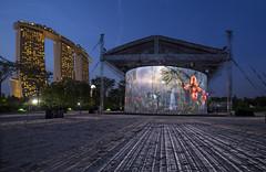 SINGAPORE INTERNATIONAL FESTIVAL OF ARTS (SIFA): RON ARAD'S 720 (gintks) Tags: gintaygintks gintks gardensbythebay meadow bluehour singapore singaporetourismboard singapur sg51 lightup lanternfestival yoursingapore exploresingapore gardenbythebay landscapes