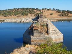 Ponte de Ajuda / Puente de Ayuda (rgrant_97) Tags: spain portugal espaa espanha frontera fronteira river rio guadiana bridge ponte puente ayuda ajuda