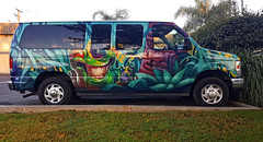 SCARY CLOWN CAR (akahawkeyefan) Tags: van paint job davemeeyr kingsburg