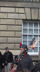 Flaming Bagpipes (divnic) Tags: uk scotland edinburgh edinburghfestival kilt man ladder bagpiper bagpipes piper royalmile flamingbagpipes