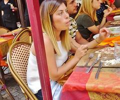 2016-08-19 - Strasbourg - Au Vieux Strasbourg - 5 rue du maroquin (P.K. - Paris) Tags: people candid street caf terrasse terrace tatoo tatouage